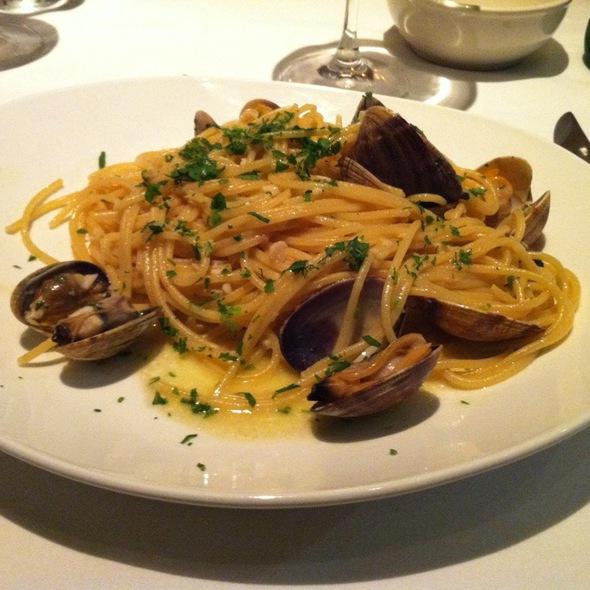 Fresh Clam Pasta - Taormina Sicilian Cuisine, Honolulu, HI