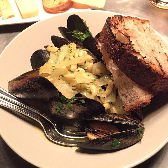 Mussels - The Bent Brick, Portland, OR
