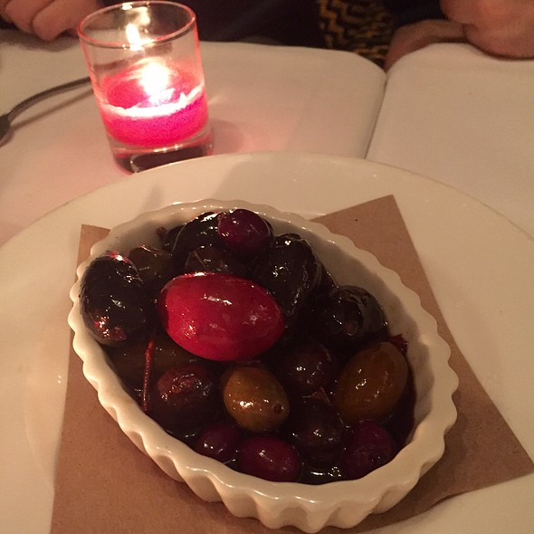 Olives - Isabella's, New York, NY