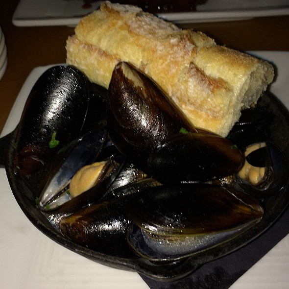Mussels Im White Wine Broth - Cielos, Tucson, AZ