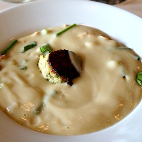 Warm cauliflower-apple veloute soup, peekytoe crab cake, green apple boules, purple caulfilower - North Pond, Chicago, IL