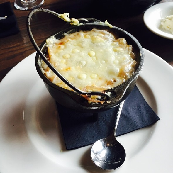 French Onion Soup - The Wayfarer Restaurant and Lounge, Cannon Beach, OR