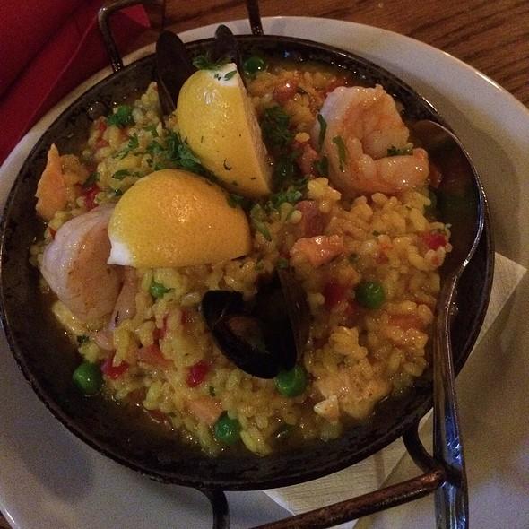 Paella Valencia - BARcelona Tapas Restaurant, Clayton, MO