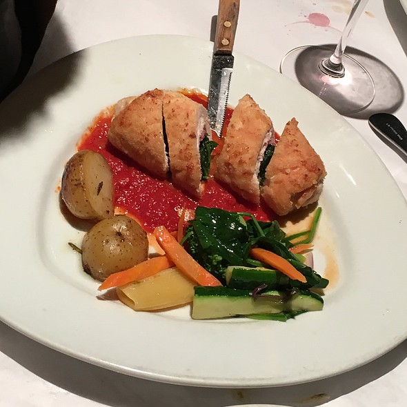 Chicken Breast Not reviewing this dish, I just took a photo of it but missed out on tasting it, the looks of it confuses between fish & chicken, I am going to go with chicken even though I still think it is fish!, topped with bacon and a bed of rocket lea - Sapore Italiano, Burlingame, CA