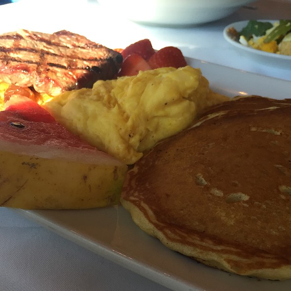 Sunday Breakfast - Cappy's Restaurant, San Antonio, TX