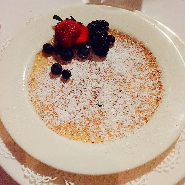 Vanilla Bean Creme Brulee - Noto's Old World Italian Dining, Grand Rapids, MI