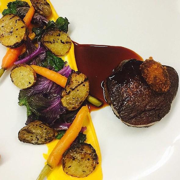 Beef tenderloin - Hart House Restaurant, Burnaby, BC
