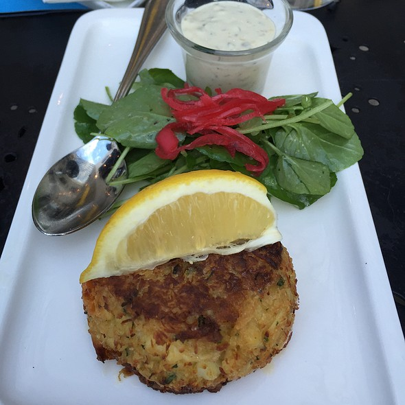 Dungeness Crab Cakes - Willi's Seafood & Raw Bar, Healdsburg, CA