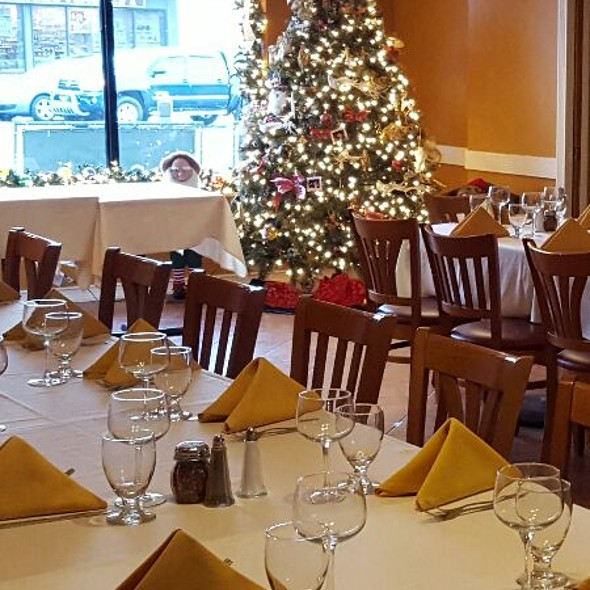 Christmas Party At The Tratts - Trattoria Lucia, Bellerose, NY
