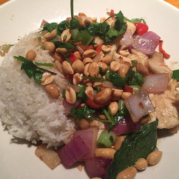 Thai Hot Pepper Chicken  - Big Bowl - Schaumburg, Schaumburg, IL