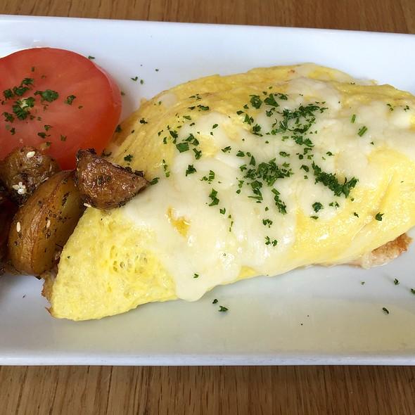 Merguez Omelette - Momed - Beverly Hills, Beverly Hills, CA