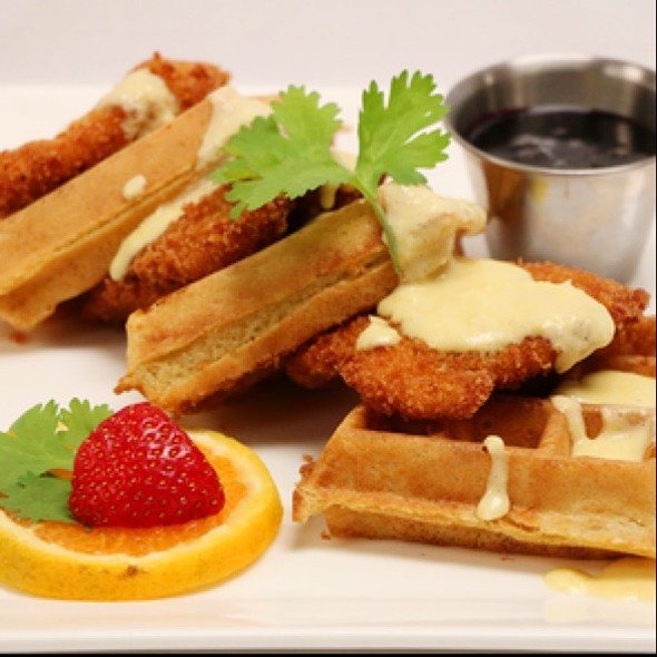 Chicken And Waffels - Nix / Martini Bar - Knickerbocker Hotel, Chicago, IL