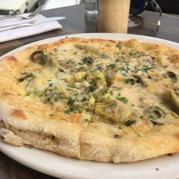 Artichoke Pizza - The Strand House, Manhattan Beach, CA