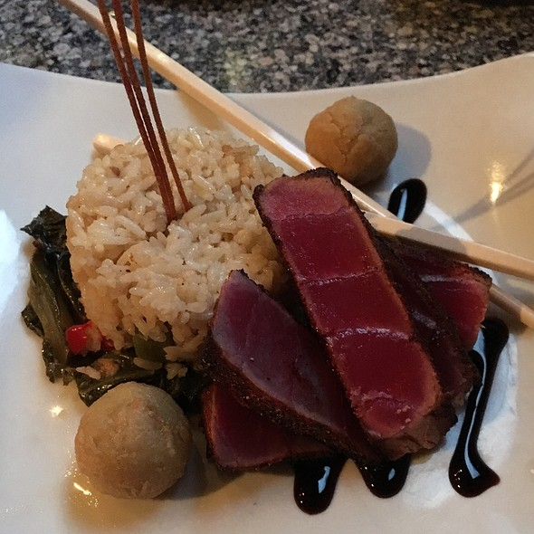 Seared Tuna - BIN 112 on trade street, Greer, SC