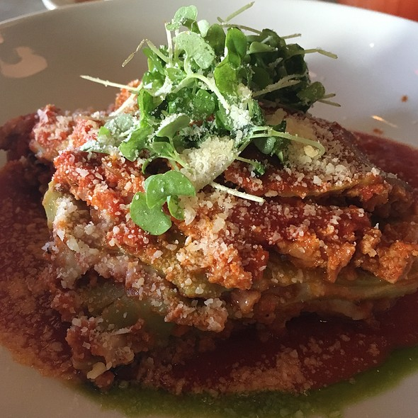 Lasagna Bolognese - Tarry Lodge Port Chester, Port Chester, NY