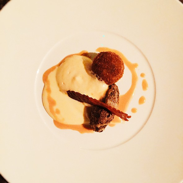 Haggis, Neeps & Tatties with Whisky Sauce - Angels with Bagpipes, Edinburgh