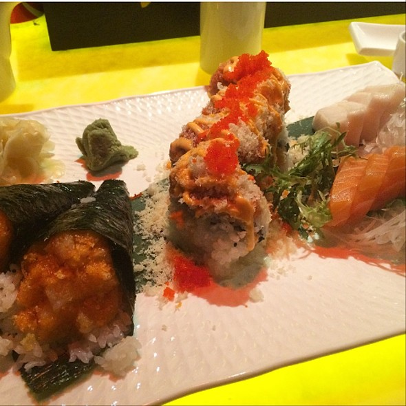 Spicy Girl Roll, White Tuna And Salmon Sashimi, And Spicy Scallop Hand Rolls - Asuka Sushi, New York, NY