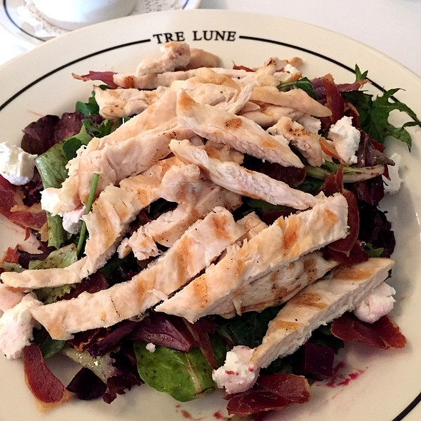 Salad Of The Day With Grilled Chicken - Tre Lune, Santa Barbara, CA