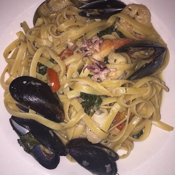 Seafood Fettuccine - Aquitaine - Chicago, Chicago, IL