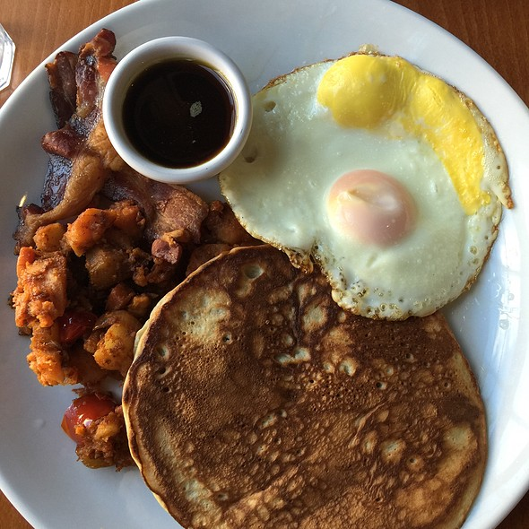 Lumberjack Brunch W Pancake, Vegetable Hash, Bacon, Fried Eggs - Sweet Grass Grill, Tarrytown, NY