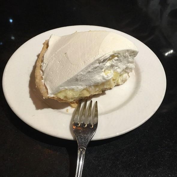 Banana Cream Pie - Frank Fat's, Sacramento, CA