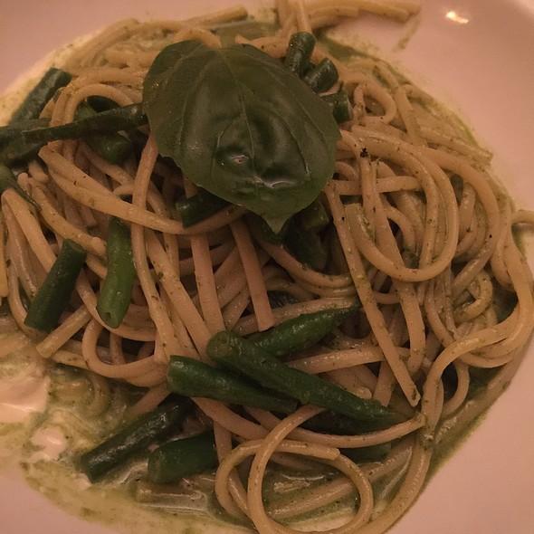 Linguine Al Pesto Genovese Con Fagiolini Su Crema Di Parmigiano - Luna Rossa Ristorante, New York, NY