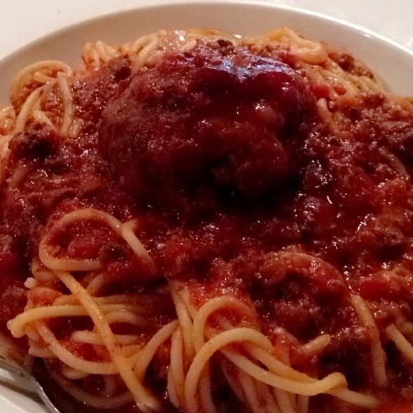 Spaghetti Bolognese - Aliano's Ristorante, Batavia, IL