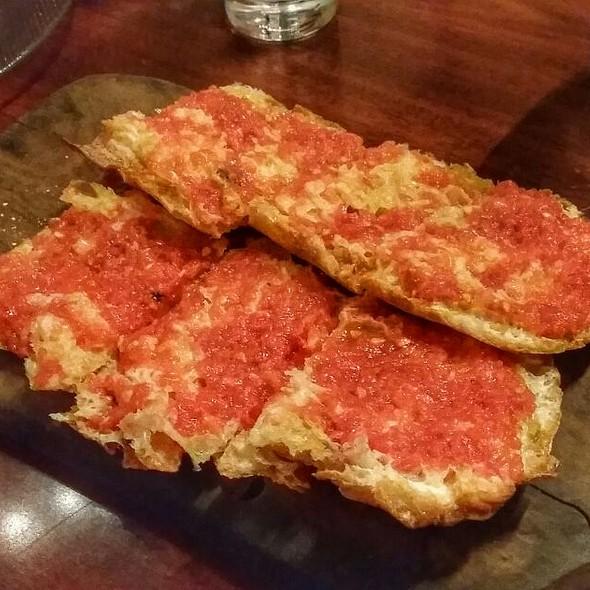 Pan De Cristal Con Tomate - Jaleo Crystal City, Arlington, VA