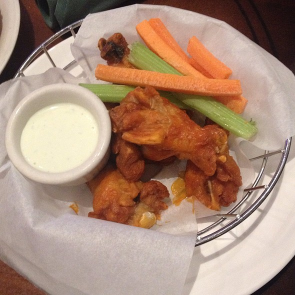 Buffalo Wings - Nine Fine Irishmen - New York - New York, Las Vegas, NV