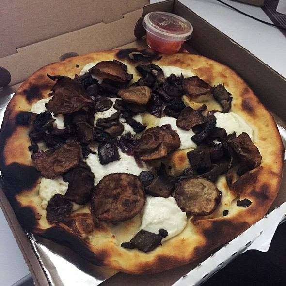 Pizza Udine + Extra Mushrooms - Arlequino, Montreal, QC