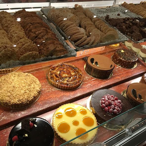 Cakes - Sant Ambroeus - Madison Avenue, New York, NY