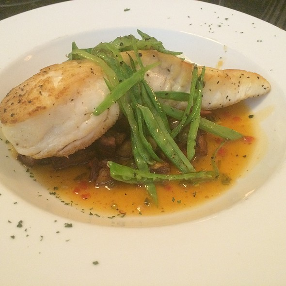 Halibut Over Plantains And Julienned Snow Peas - Monocacy Crossing, Frederick, MD