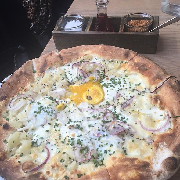 Brunch Pizza - Sotto 13, New York, NY