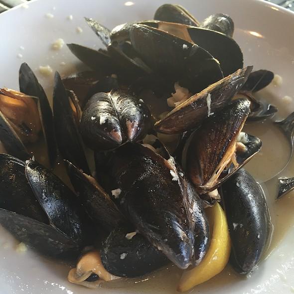 Classic Mussels  - Salu, New Orleans