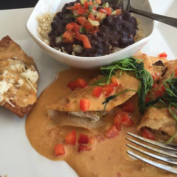 Fishelafas - De La Vega Restaurante Y Galeria, Deland, FL