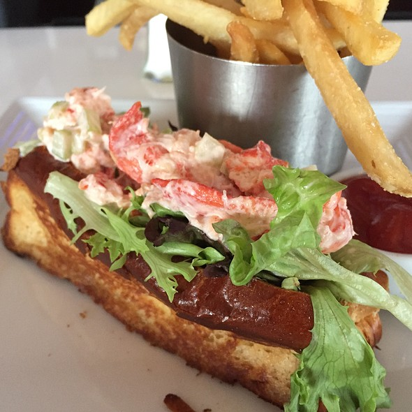 Lobster Roll (Sandwich) - Zephyr on the Charles, Cambridge, MA