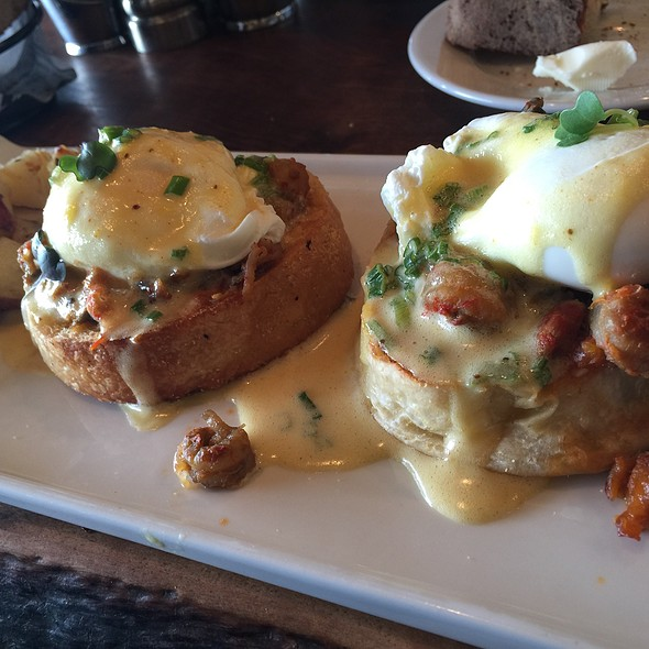 Crawfish Benedict - Le Garage, Sausalito, CA