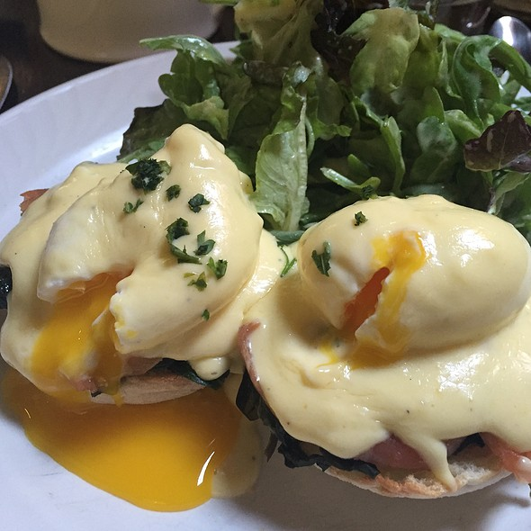 salmon eggs benedict - Le Grenier, Washington, DC