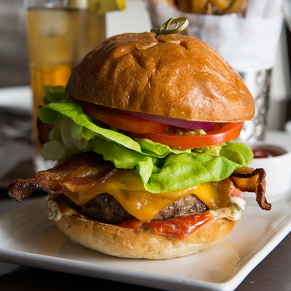 Paramour Burger - Paramour, Wayne, PA
