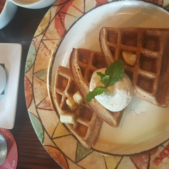 Canela Waffle - Cuba Libre - DC, Washington, DC