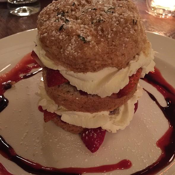 strawberry shortcake - Lavo - NYC, New York, NY