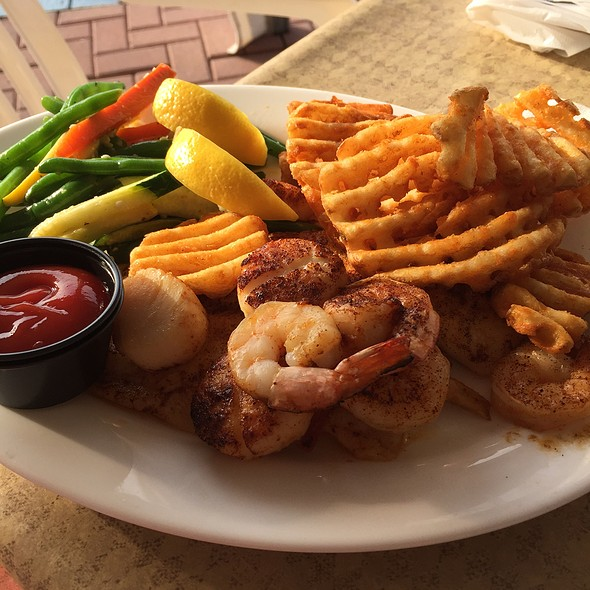 Combo Platter - Klein's Fish Market, Waterside Cafe, Grill Room and Sushi Bar, Belmar, NJ