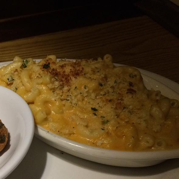 Mac & Cheese - Damon's Steakhouse, Glendale, CA