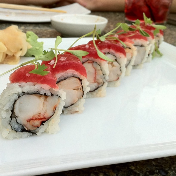 Lobster and Tuna Sushi Roll - Yellowtail - Bellagio, Las Vegas, NV