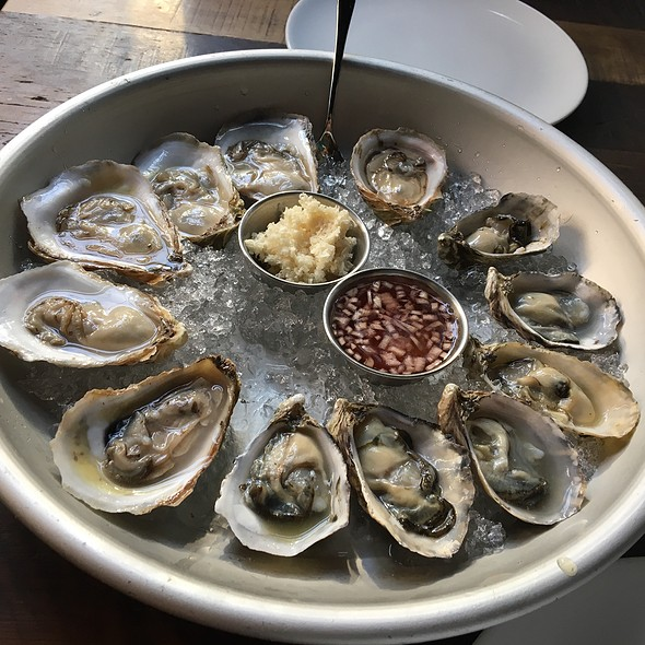 Oysters - Drake One Fifty, Toronto, ON