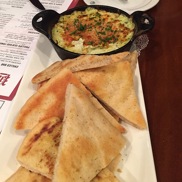 Crab, Spinach and Artichoke Dip - Phillips Seafood, Baltimore, MD