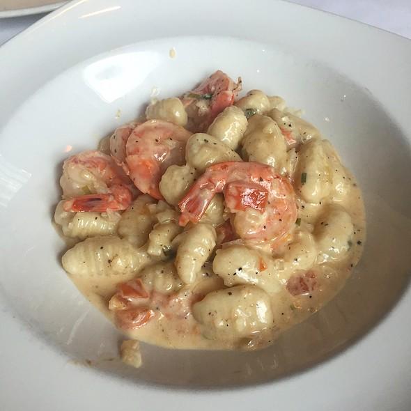 Gnocchi Con Gamberi - Alioli Ristorante, Mississauga, ON
