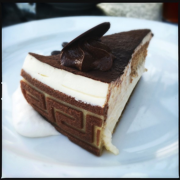Tiramisu - Louis, Saint Paul, MN