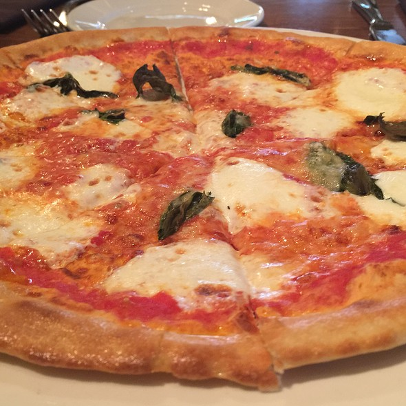 Margharita Pizza - Brick & Bottle, Corte Madera, CA