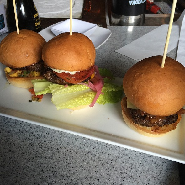 Slider Trio - Sub Zero Vodka Bar, St. Louis, MO
